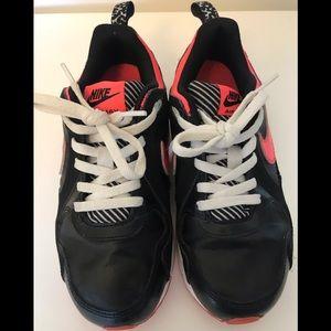Nike Air Max girls SZ 2.5Y